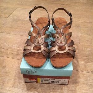 EUC wedge sandals
